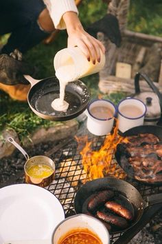 Lagerfeuer Frühstück van life hacks life food hacks life hacks cleanses life hacks ideas life hacks mini life hacks road trips life hacks tips Camping Life Hacks, Diy Camping, Beach Camping, Camping Meals, Outdoor Camping, Camping Recipes, Camping Activities, Outdoor Forts, Solar Camping