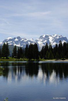 reflections in the lake Nambino Canada Mountains, Mirror Image, My Photos, Tattoo, Nature, Travel, Geography, Mountain, Naturaleza