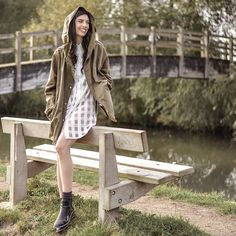 Elle-May Leckenby - Motel Button Up T Shirt Dress, Charles And Keith Black Slick Boots - Down on the Thames