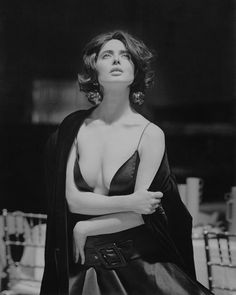 """Isabella Rossellini photographed for Vogue Italia, September1989.""(@saramoradi210)"