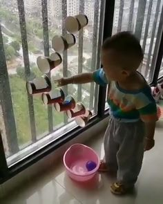 Cute baby playing - Minecraft, Pubg, Lol and Preschool Learning Activities, Infant Activities, Diy Sensory Toys, Funny Kids, Fun Funny, Toddler Fun, Fun Crafts For Kids, Baby Games, Baby Play