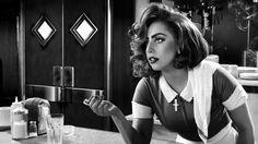 #LadyGaga schittert in #SinCity #ADameToKillFor als serveerster Bertha. Nu te zien in de bioscoop!