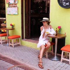 Cartagena de Indias – MLV BLOG Outfit Beach, Travel Inspiration, Style Inspiration, Picture Poses, Travel Style, Tumblers, Cuba, Portrait Photography, Summer Outfits