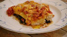 Een heerlijke vegetarische pastaschotel met spinazie en cannelloni gevuld met een romige duxelle van champignons. Daarover gaat een rijke tomatensaus. Comfortfood voor een doordeweekse dag!