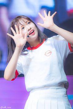"""트위터의 소짱U・x・U 님: """"190120 일본 데뷔 쇼케이스 귀여워ㅜㅜ #IZONE #アイズワン #아이즈원 #안유진 #アンユジン #AnYujin… """" My Girl, Cool Girl, Yu Jin, Japanese Girl Group, Kim Min, Pretty Baby, Extended Play, The Wiz, My Beauty"""