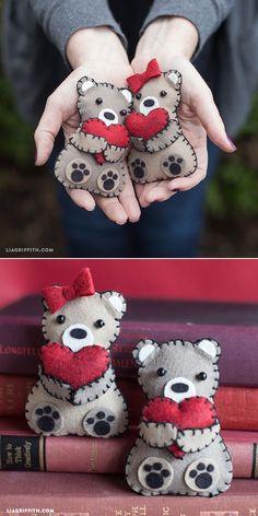 Mini Valentine's Day Bears from Felt www.liagriffith.com Valentine gift ideas 2016 #valentineday #hearts
