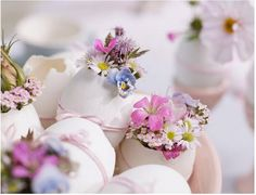 Dainty wild flowers placed in egg shells! Something so simple and stunning. Pick some spring blooms and create a unique centerpiece or decoration for foyer table. Lovely freshness.