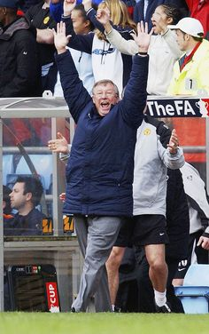 Former @manutd manager Sir Alex Ferguson is seen here celebrating Paul Scholes' winner in the 2004 FA Cup semi-final against Arsenal.