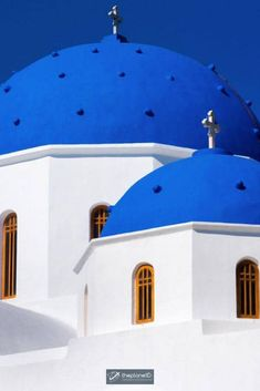 Santorini is known for its sprawling whitewashed villages clinging to the high sea cliffs overlooking the Aegean Sea. But there are so many places to visit in Santorini that it will surprise you. There is so much to do on this gorgeous Greek island. | Blog by the Planet D | #Travel #Santorini #Greece | what to do in santorini | things to do in santorini | greece santorini things to do Santorini Travel, Santorini Greece, Greece Travel, Crete Greece, Athens Greece, Cool Places To Visit, Places To Travel, Places To Go, Travel Destinations