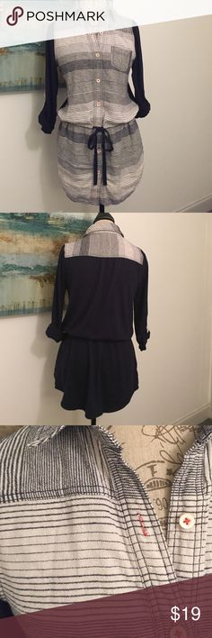Postmark cinch waist tunic Navy blue and ivory. Roll tab sleeves. Ties at waist and has pockets! In excellent condition. Anthropologie Tops