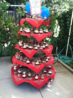 cupcake tower at Griffin's cowboy party
