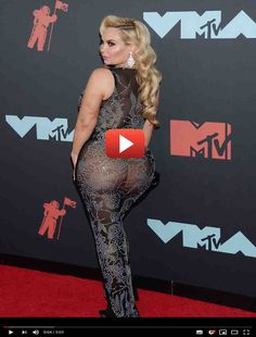 Nicole Coco Austin wore only string panties under a black see through Big Ass Crazy Girlfriend Meme, Human Heart Drawing, Epic Fail Photos, Life Hacks Youtube, Netflix Gift, Celebrity Cruises, Wedding Goals, Red Lace, Celebrity Pictures