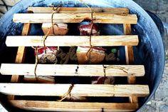 Kaizer de casa Smoking Meat, Wine Rack, Food And Drink, Wood, Face, Houses, Madeira, Bottle Rack, Woodwind Instrument