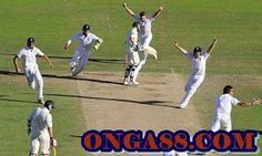The final wicket - England clinch their first series win for 24 years in Australia and retain the Ashes - Jan 2011 Cricket Test Match, Ashes Cricket, England Cricket Team, Stuart Broad, Shane Watson, Shane Warne, England Australia, Free Throw, 12th Man