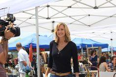 Lara Spencer Talks HGTV's 'Flea Market Flip,' Best Yard Sale Tips (PHOTOS)