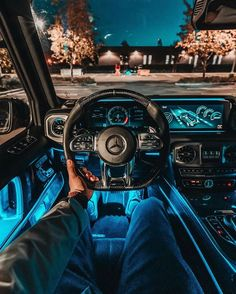 Amazing Luxury Interior: Mercedes-AMG G 63 - The Luxurious Club Luxury Boat, Best Luxury Cars, Luxury Yachts, Luxury Suv, Luxury Hotels, Luxury Apartments, Van Mercedes, Mercedes Benz Cars, Mercedes G Wagon