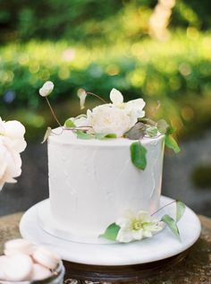 #cake  Photography: Maria Lamb Photography - marialamb.co Floral Design: Kaleb Norman James Design - kalebnormanjames.com