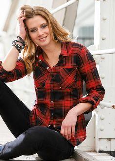 Camisa xadrez vermelho/preto encomendar agora na loja on-line bonprix.de  R$ 99,90 a partir de Camisa com botões de pressão, decorada com tachas nos bolsos, ...