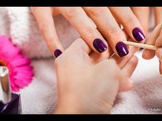 Como pintar as unhas sem borrar? Confira essa super dica!
