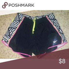 Nike Tempo Running Shorts Black Nike shorts with geometric pattern on sides. Nike Shorts