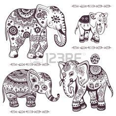 Set von Hand gezeichneten isolierten ethnischen Elefanten Stockfoto