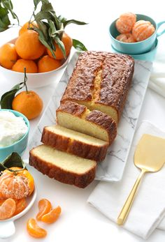 Savory magic cake with roasted peppers and tandoori - Clean Eating Snacks Pan Nube, Dessert Blog, Pound Cake Recipes, Pound Cakes, Orange Loaf Recipes, Salty Cake, Savoury Cake, Sweet Bread, Let Them Eat Cake