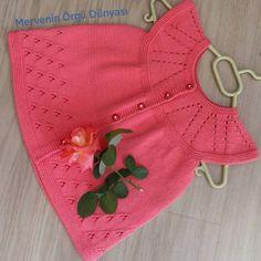 Embroidered Baby Vest Making - Babykleidung Baby Knitting Patterns, Crochet Baby Dress Pattern, Knit Baby Dress, Baby Dress Patterns, Knitting For Kids, Crochet Hooks, Knit Crochet, Baby Pullover, Crochet Round