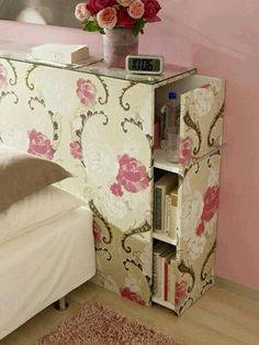Librero en respaldo de cama