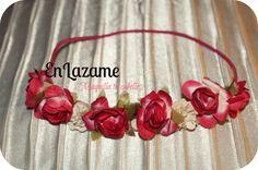 vincha con flores! https://www.facebook.com/pages/En-Lazame/102616406443620?ref=hl