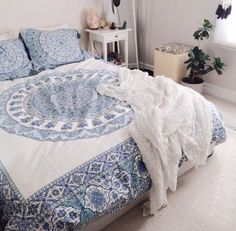 Mandala design duvet and pillow set