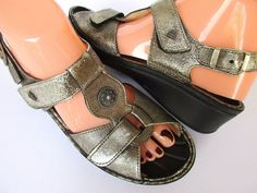 Finn Comfort women sandals size 7 Pewter Leather Germany #FinnComfort #Strappy