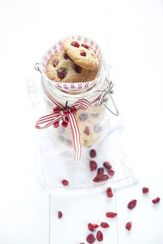 ... cranberry & ginger biscuits ...