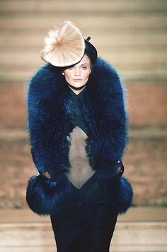 - Mc Queen 4 Givenchy Couture show - Helena Christensen too unqiue and dark and furrrrrrrrrfect to pass. Fur Fashion, Runway Fashion, Fashion Brands, Fashion Show, Fashion Ideas, Fashion Inspiration, Become A Fashion Designer, Exotic Art, Givenchy Women