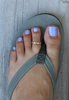 Zehen Ringe Aloha Lei Hawaiian Toe Ring / Three Metal Options / Hard to Find Fitted Toe Ring Year-Ro Pretty Toe Nails, Cute Toe Nails, Cute Toes, Pretty Toes, Summer Pedicure Colors, Summer Toe Nails, Beach Pedicure, Summer Pedicure Designs, Summer Pedicures