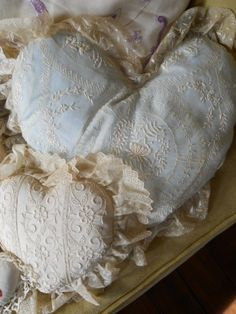 ANTIQUE LACE & EMBROIDERED PILLOWS