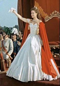 sound of music Princesa Sissi, Sissi Film, Empress Sissi, Period Costumes, Sound Of Music, Good Movies, Dresses, Female Celebrities, Austria