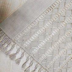 Otomatik alternatif metin yok. Hand Embroidery Stitches, Bargello, Drapery, Macrame, Elsa, Textiles, Blanket, Indian Embroidery, Weaving