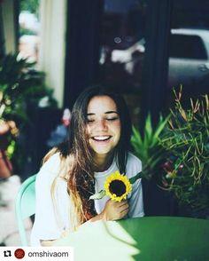 #Repost @omshivaom with @repostapp  Cualquier día es bueno para que sea el mejor de tu vida No guardes nada de ti para una ocasión especial porque TODOS los días lo son. Todo depende de la Actitud con lo que lo asumas... Está en nosotros mirar las cosas de otra forma y ver las que nos benefician. Es bueno hacer cambios en nuestra vida diaria probar cosas nuevas descubrir gente nueva que te haga sonreír que comparta contigo que te llene de aliento y de ganas de celebrar porque... La vida…