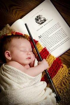 Newborn Pictures, Baby Pictures, Baby Photos, Newborn Pics, Family Photos, Funny Pictures, Baby Tips, Baby Hacks, Cumpleaños Harry Potter