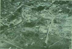Karaokekali Lucho: FASC, Mi conclusion despues de una exhausta investigacion fue que era La Plaza de Toros llamada Circo Estrella , perteneciente a la Familia Lalinde , dueños de esos terrenos y cerca de la famosa Casa del Embudo o Villa Lalinde ....... Esta fotografia es de 1928-1933 aprox