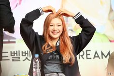 Joy Red Velvet (^o^)