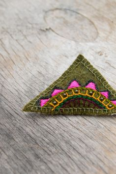 Brooch. Olive / Moss green triangle geometric & floral  by Mioltu, €25.00