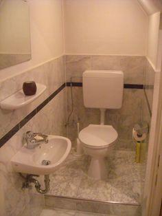 Kleines Gäste-WC (Marmor)