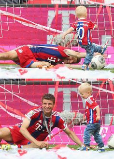 Thomas Muller and Kai Robben - This is the most adorable thing ever. Thomas is gonna be such a great dad