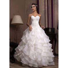 14 najlepších obrázkov z nástenky Extravagantné svadobné šaty ... 6a8757c0241
