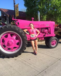 I'll take ya for a ride on my big pink tractor #cornbreadfest #willrun4cornbread #kuntrygurl by mgthompsonn