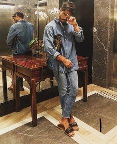 Slides by Ferragamo Mode Masculine, Stylish Men, Men Casual, Boy Fashion, Mens Fashion, Fashion Music, Mode Man, Herren Style, Male Feet