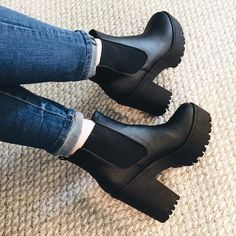 High Heel Boots, Heeled Boots, High Heels, Bota Over, Shoes Sneakers, Shoes Heels, Fresh Shoes, Cute Boots, Sock Shoes