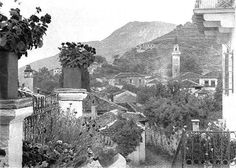 Fred Bouasona great French photographer , lover of Greece took a series of photos portraying the Greece of century Old Photos, Vintage Photos, Frederic, French Photographers, Albania, Anthropology, Mount Rushmore, The Past, Images