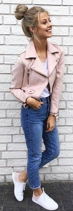 White shirt and blue denim fitted jeans and pink jacket. Pic originally posted by fashionistaa01 #spring #outfits